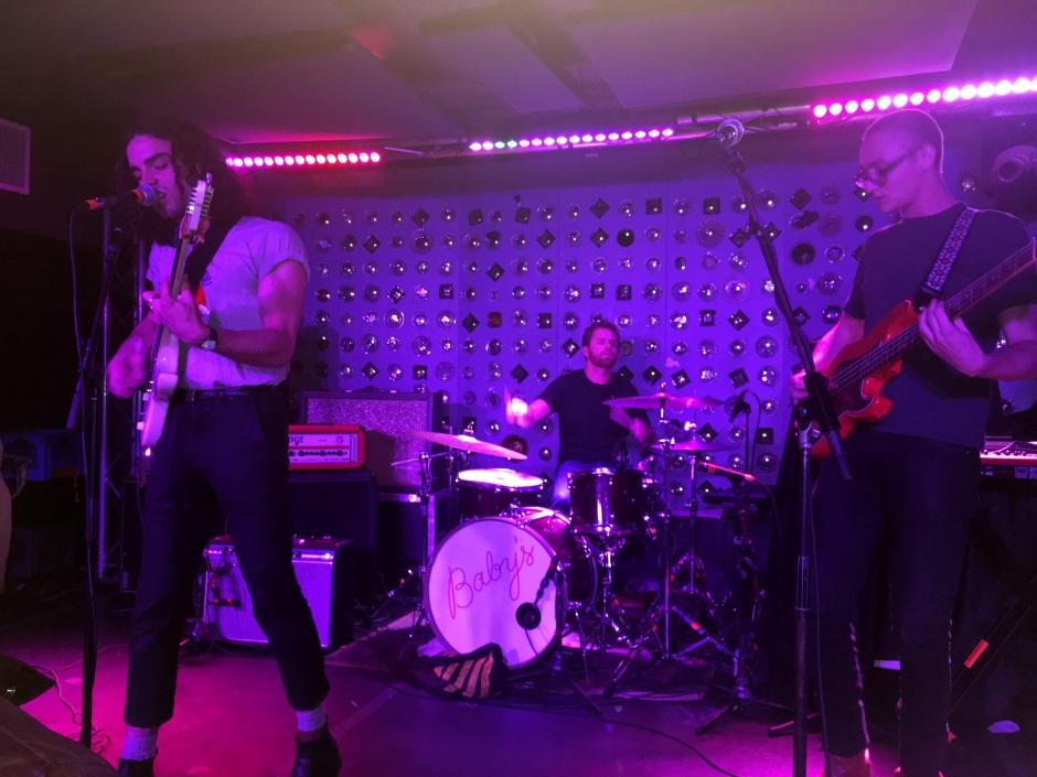 Band V